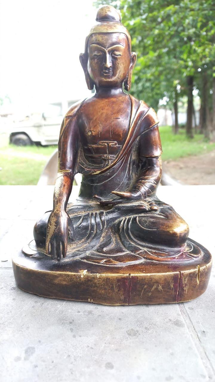 भगवान बुद्ध की प्रतिमा, एक बाइक समेत दो तस्कर गिरफ्तार