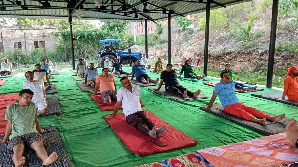 हीरानगर में 7वें अन्तर्राष्ट्रीय योग दिवस के उपलक्ष पर चार दिवसीय निशुल्क योग शिविर का किया शुभारंभ