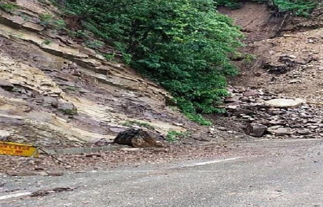 उत्तराखंड में बारिश से ऋषिकेश-बदरी, केदारनाथ राजमार्ग सहित 174 मोटर मार्ग बाधित