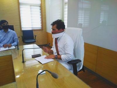 आपूर्ति सुधार से संबंधित कायरें की जानकारी जनप्रतिनिधियों को जरूर दें- ऊर्जा मंत्री