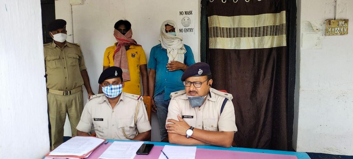 प्रतिबंधित कफ सीरप मामले में दो कारोबारी गिरफ्तार, गए जेल
