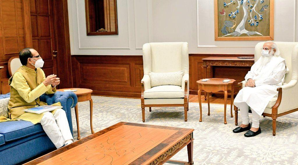 प्रधानमंत्री मोदी से मिले मुख्यमंत्री शिवराज, कोरोना की वर्तमान स्थिति की दी जानकारी