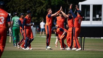 उत्रेच्ट वनडे : आयरलैंड ने नीदरलैंड को दिया 164 रनों का लक्ष्य