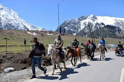 जम्मू-कश्मीर के सोनमर्ग पर्यटन स्थल में सप्ताहांत प्रतिबंध लगाया गया