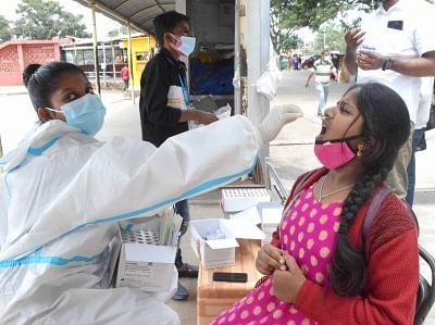 केरल में कोरोना का कहर जारी, 18531 नए मामले सामने आए, 98 लोगों ने तोड़ा दम