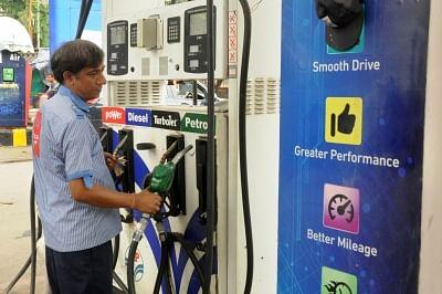 ईंधन उपभोक्ताओं को मिली राहत, पेट्रोल-डीजल के दामों में पूरे सप्ताह कोई वृद्धि नहीं
