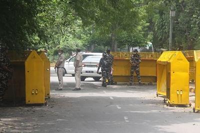 किसानों के विरोध के मद्देनजर दिल्ली पुलिस ने जंतर-मंतर पर सुरक्षा कड़ी की