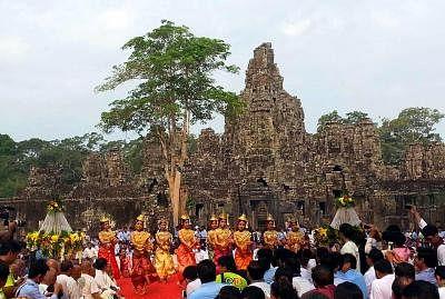 कंबोडिया के मशहूर अंगकोर वाट में विदेशी आगंतुकों में 98.6 प्रतिशत की गिरावट दर्ज