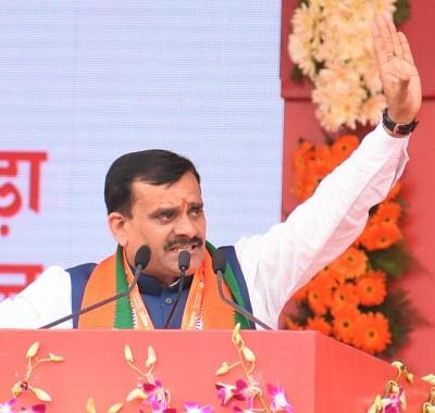 कांग्रेस अध्यक्ष पद के लिए राहुल और सोनिया उम्मीदवार : शर्मा