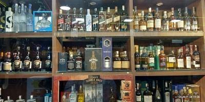 दिल्ली की नई आबकारी नीति में शराब ब्रांडों के लिए बिक्री मानदंडों की सिफारिश