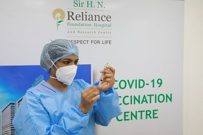 रिलायंस फाउंडेशन टीकाकरण मिशन के तहत आरआईएल कर्मचारियों और परिवार के सदस्यों को 10 लाख से अधिक कोविड खुराक