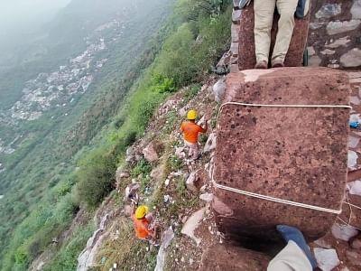 आकाशीय बिजली गिरने से आमेर के वॉच टावर में जयपुर के 11 पर्यटकों की मौत