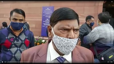 केंद्रीय मंत्री रामदास आठवले ने अल्पसंख्यक प्रकोष्ठ अध्यक्ष को पार्टी से निकाला