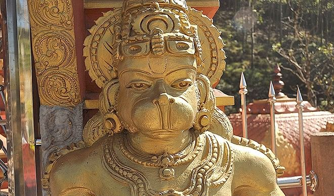 Gyan Ganga: जब लक्ष्मणजी धनुष-बाण लेकर पहुँच गये तो सुग्रीव को हनुमानजी का ही सहारा था