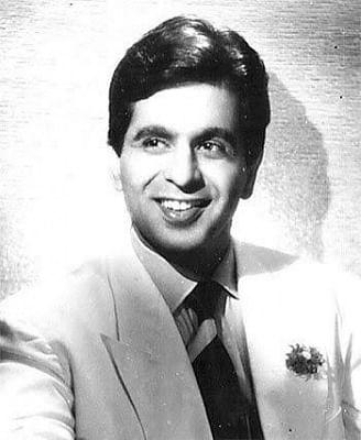 प्रसिद्ध अभिनेता दिलीप कुमार के निधन पर मुख्यमंत्री योगी, केशव, अखिलेश, माया ने दी श्रद्धाजंलि