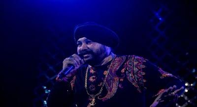 ईद पर दलेर मेहंदी ने पाकिस्तानी कव्वालों के साथ रॉक-सूफी सिंगल लॉन्च किया