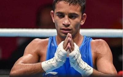 ओलपिक (मुक्केबाजी) : वर्ल्ड नम्बर-1 भारत के अमित पंघल बुरी तरह हारे (लीड-1)