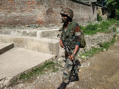कश्मीर में मुठभेड़, 2 आतंकी ढेर (लीड-1)