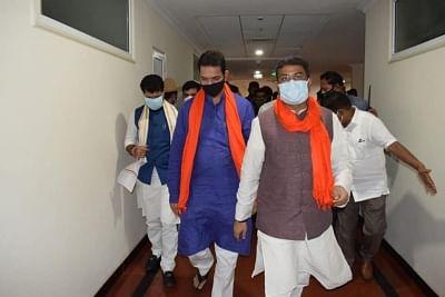 भाजपा पर्यवेक्षक धर्मेंद्र प्रधान और किशन रेड्डी ने पार्टी नेताओं के साथ की बैठक