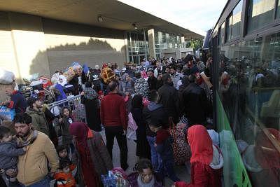 सीरिया शरणार्थियों की वापसी की सुविधा के लिए करेगा काम : असद