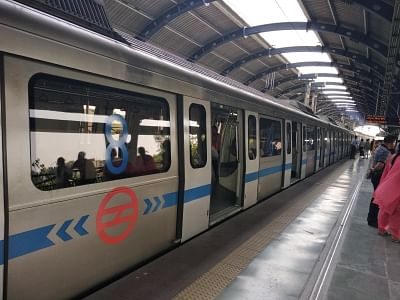 दिल्ली मेट्रो और डीटीसी की बसें 100 फीसदी क्षमता के साथ चलेंगी