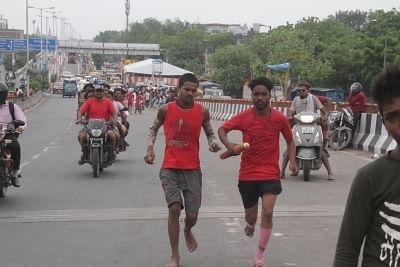 अखाड़ा परिषद ने यूपी में कांवड़ यात्रा रद्द करने का समर्थन किया