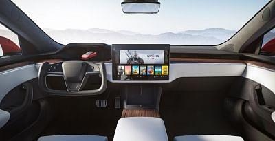 टेस्ला नए मॉडल एस और एक्स पर रेगुलर स्टीयरिंग व्हील की पेशकश नहीं करेगी: एलन मस्क