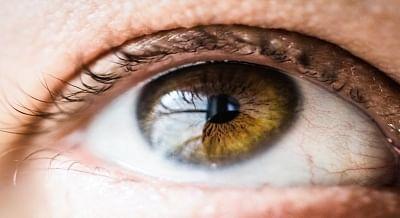 सूखी आंखें, डिजिटल स्क्रीन स्ट्रेन, परिपक्व मोतियाबिंद के बढ़ रहे हैं मामले