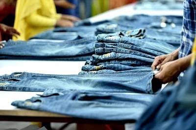 सिकुड़ते बाजार को रोकने के लिए भारत के कपड़ा क्षेत्र को आधिक समर्थन की जरूरत