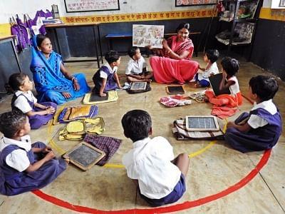 उत्तर प्रदेश आंगनबाडी स्कूलों को मिले प्री-स्कूल किट