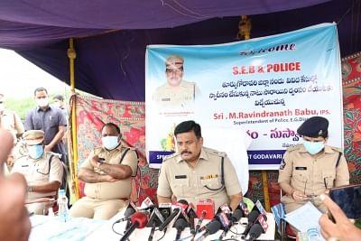 आंध्र प्रदेश में 50 लाख रुपये मूल्य का 20 हजार लीटर अरक नष्ट किया गया