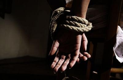 यूपी में ट्रांसजेंडर के खिलाफ शादी कर लड़की के अपहरण का मामला दर्ज