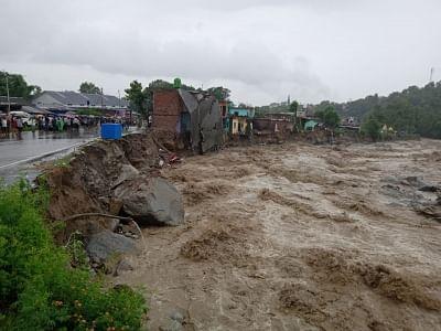 केंद्र ने हिमाचल में बाढ़ से निपटने के लिए एनडीआरएफ को किया तैनात (लीड-1)