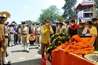 नड्डा, राहुल ने दी कांग्रेस के दिग्गज नेता वीरभद्र सिंह को श्रद्धांजलि