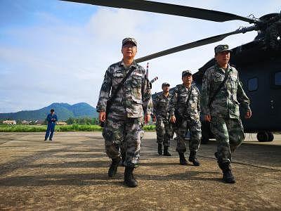 चीन तिब्बत में सैनिकों को प्रशिक्षित करने के लिए मशीनगनों, रॉकेट लांचर का उपयोग कर रहा