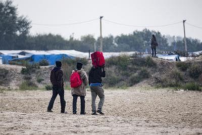 ब्रिटेन अवैध प्रवासियों की संख्या में वृद्धि से निपटने के लिए फ्रांस को 7.4 करोड़ डॉलर का भुगतान करेगा