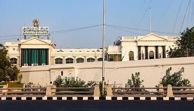तमिलनाडु विधानसभा के शताब्दी समारोह को लेकर अन्नाद्रमुक, द्रमुक में तनातनी