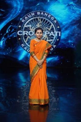 केबीसी 13 की पहली बड़ी विजेता बनी के एमपी गांव की पहली महिला पुलिस सब-इंस्पेक्टर