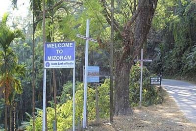 संघर्ष के 2 हफ्ते बाद असम-मिजोरम राजमार्ग पर मालवाहक वाहनों की वापसी