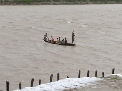 बिहार में गंगा, कोसी सहित 11 नदियां खतरे के निशान से ऊपर, 17 जिले बाढ़ प्रभावित