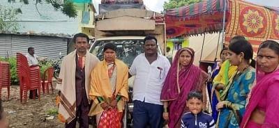 मुस्लिम ने अपने धर्म में हिंदू दत्तक बेटी की शादी की व्यवस्था की