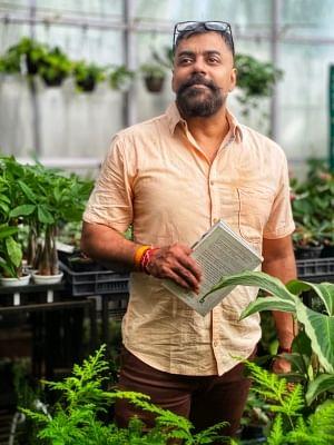 लेखक नीरज कुमार मिश्रा समानांतर के साथ कर रहें है निर्देशन की शुरुआत