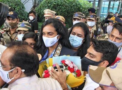 दिल्ली पहुंचने पर सिंधु का हुआ भव्य स्वागत