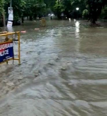 गुरुग्राम में भारी बारिश से कई इलाकों में जलभराव, यातायात बाधित