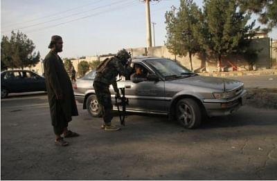 अमेरिकी सेना की मदद करने वालों के दरवाजों पर तालिबान ने चिपकाई धमकी भरी चिट्ठी, सरेंडर नहीं करने पर सजा-ए-मौत