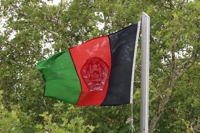 सैकड़ों अफगान राष्ट्रीय ध्वज का समर्थन करने सड़कों पर उतरे, तालिबान ने गोलियां चलाईं