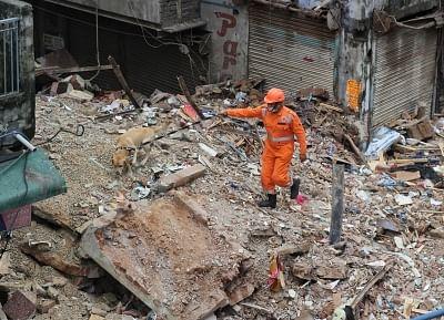उत्तरी दिल्ली निगम क्षेत्र में जहां इमारत गिरी, वहां अन्य 9 इमारतें भी हैं खतरनाक
