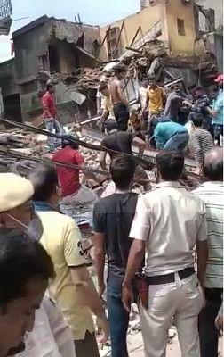 उत्तरी दिल्ली में गिरी बहुमंजिला इमारत, महापौर ने कहा: दोषियों पर होगी सख्त कार्रवाई (लीड-1)