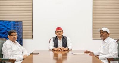 बसपा से निष्कासित पूर्व मंत्री लालजी वर्मा और रामअचल राजभर ने की अखिलेश से मुलाकात