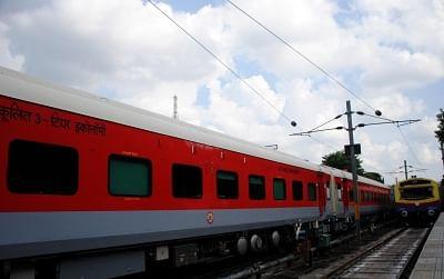सरकार सान्याल समिति के सुझावों के आधार पर रेलवे संचालन के पुनर्गठन पर कर रही विचार